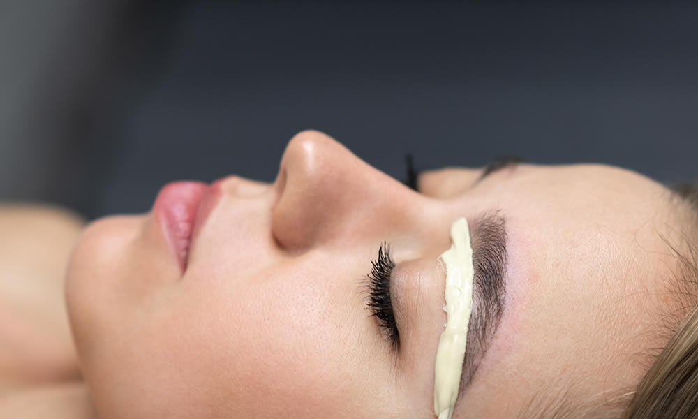 Brow Waxing - Interlaced Beauty